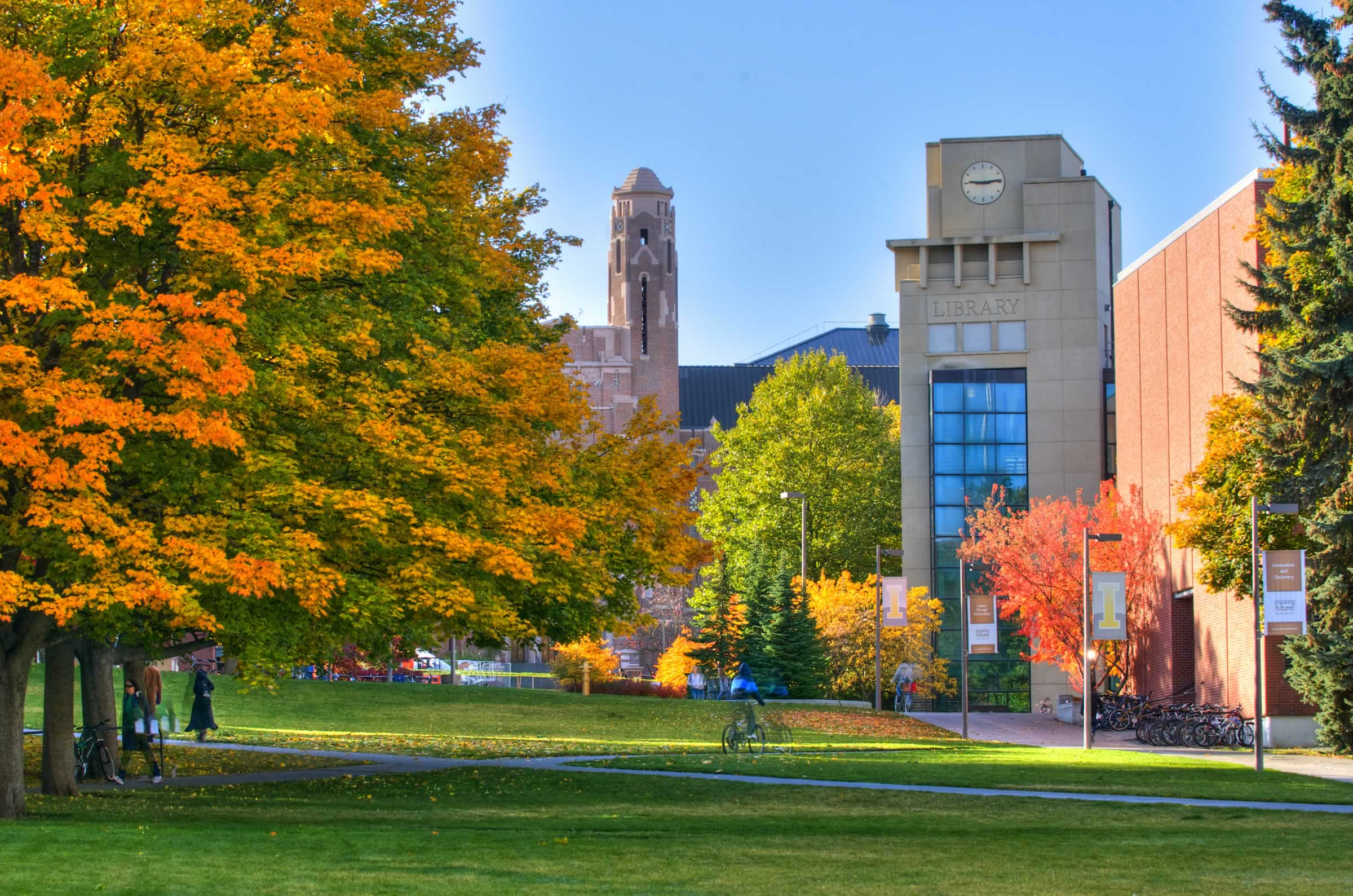 Photograph of the University of Idaho Library in Fall
