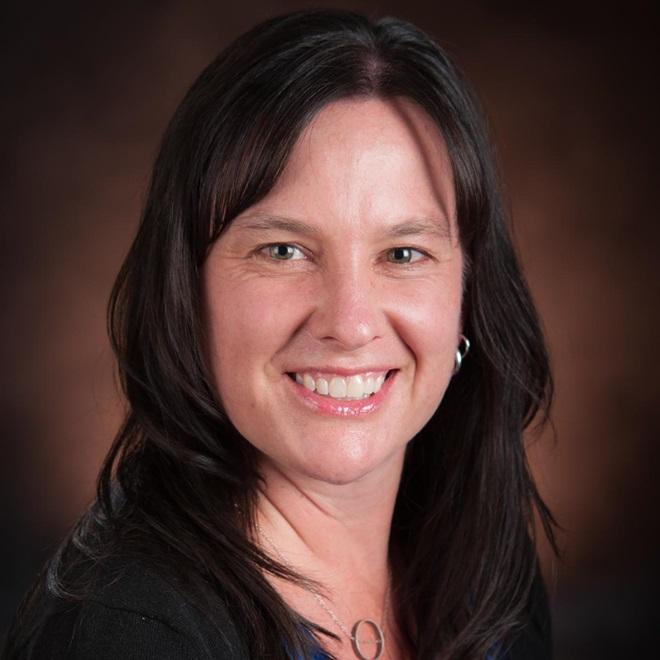 Janine Darragh headshot